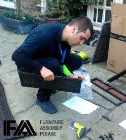Pre-assembly of flat packs